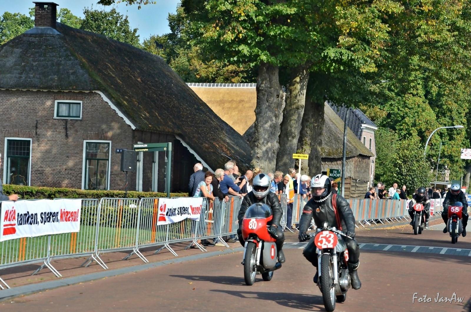 zaak 1316361 - stichting tt hooghalen-Historische demorace 2016 - Hoofdstraat